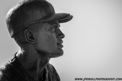 Pittsburgh Pirates Roberto Clemente  Great One Statue