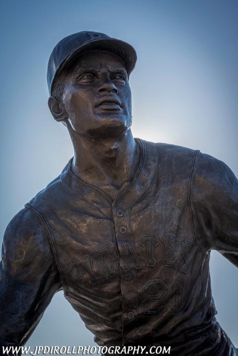 Roberto Clemente Statue Pittsburgh Pirates